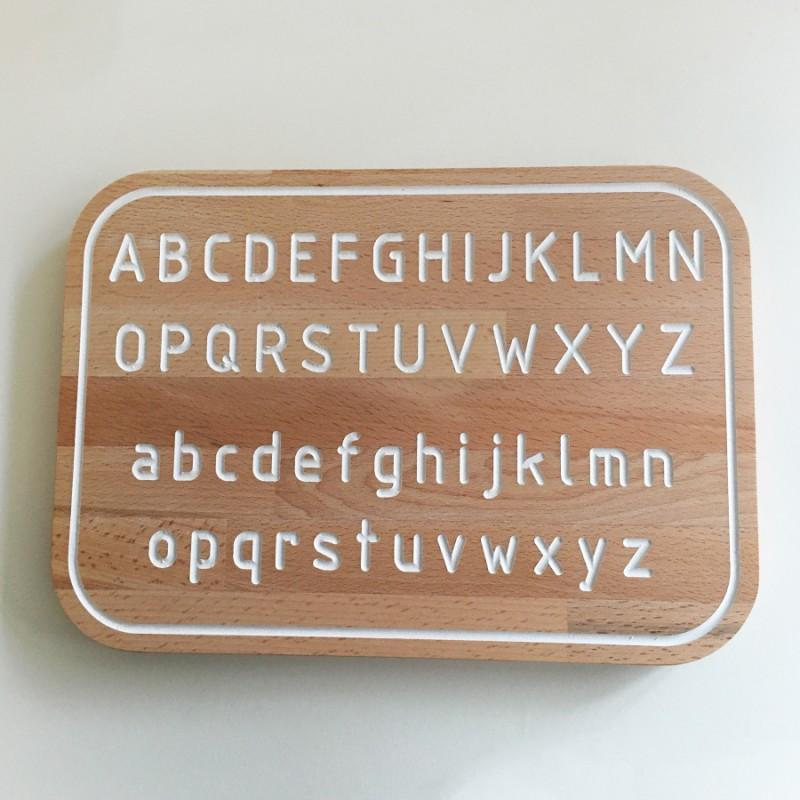 Simone, la planche Alphabet de traçage Montessori en bois - Photo 1