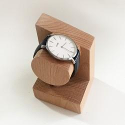 Georges, support en bois - Présentoir pour montre et bracelet - Photo 1 avec montre