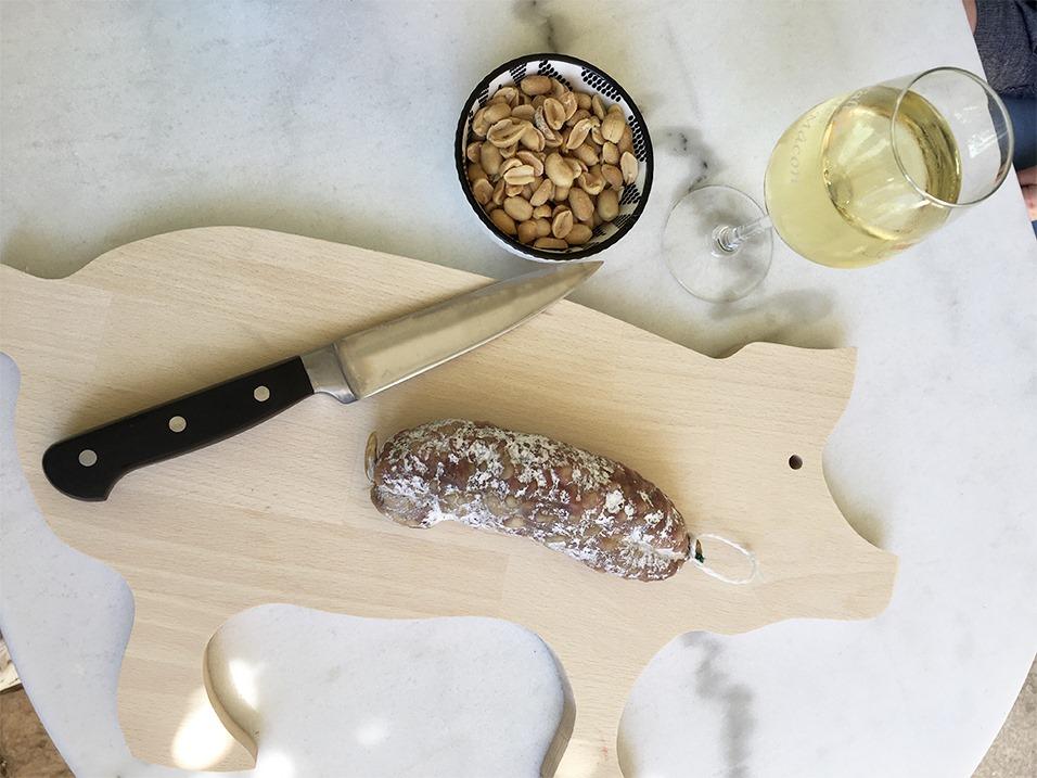 Planche à découper bois en forme de cochon pour l'apéro
