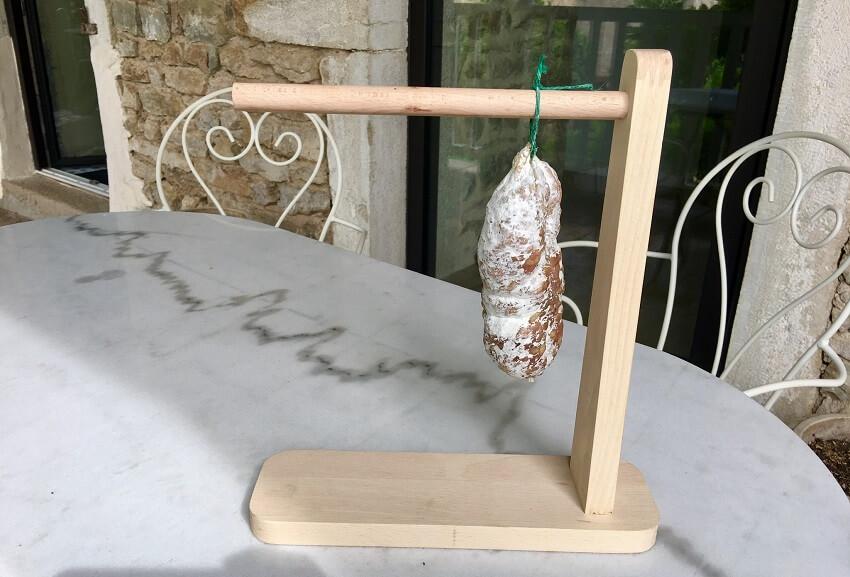 Potence à saucisson en bois