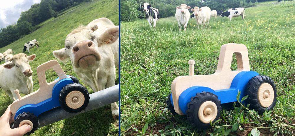 Vaches avec Serge, le tracteur en bois pour enfant